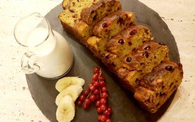 Banana bread cu agrișe și ciocolată