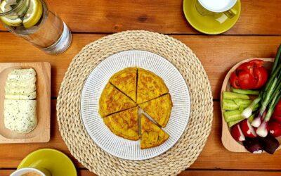Tortilla de patatas (Omletă spaniolă)